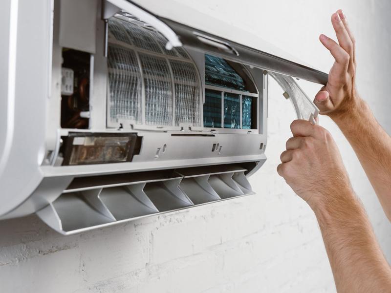 Bạn có nên tự sửa được điều hòa nhà mình không?