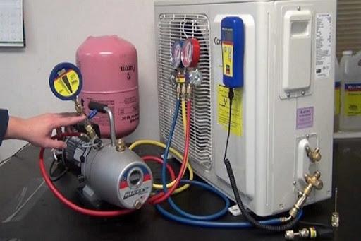 liên hệ ngay với 1 đơn vị sửa điều hòa uy tín chuyên nghiệp để nạp gas điều hòa đầy đủ
